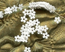 Vintage French SEQUINS tiny micro White Flowers 3mm Paillettes Sew ons Trim Doll size lot