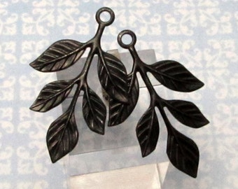 Leaf Sprig Pendant, Matte Black, Trinity Brass 2 Pc. MB42