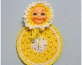 Doll / Baby Face Potholder Retro Look