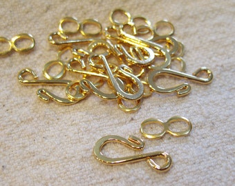 S Hook Clasp Gold Plated Hook and Eye Hook Clasps 16mm x 11mm 10 sets F304A