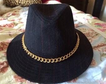 Vintage Geoffrey Beene Fine Wool Red Pinstripe Fedora Cowboy w Chain Hat
