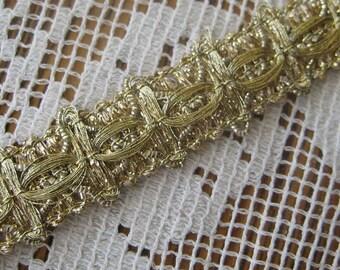 Vintage Japan 1960s Metallic Sewing Trim Ribbon Pale Gold  1 Yard  J-3