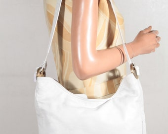 BOTTEGA VENETA Italian VINTAGE White Leather shoulder bag Hobo tote