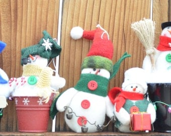 Christmas Snowmen ornaments - stocking stuffers  - Christmas ornaments - Merry Christmas - Free Domestic United States shipping only