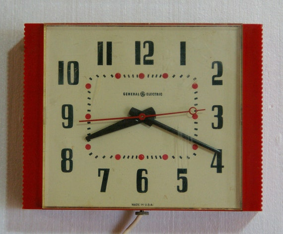 Vintage General Electric Model 2H38 Red Electric Wall Clock