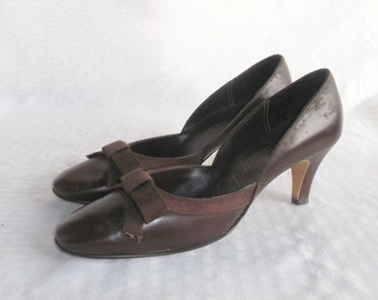 1960's Vintage Brown Leather Pumps Shoes with Bows Size 6 1/2 by Thom McAn from Abandoned Time Capsule House