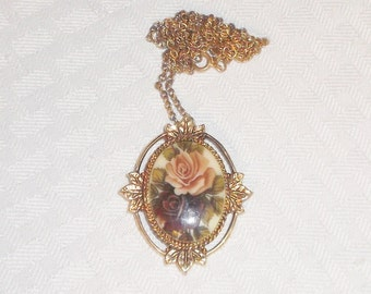 1970s Vintage Sarah Coventry Porcelain Rose Cameo Pendant Necklace