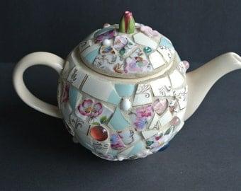 Mosaic Pique Assiette Teapot