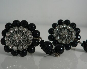 vintage 1950s rhinestone clip earrings / mid century black glass beads earrings/ victorian style earrings