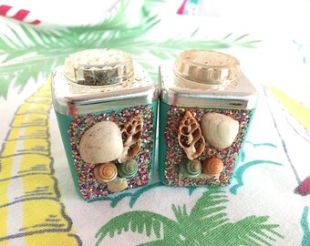Vintage Florida salt pepper shakers 1950s aqua plastic shells glitter chrome Florida souvenir in original box