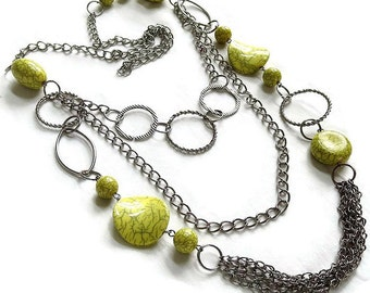 Vintage Silver Tone Modernist Chains & Circles with Yellow and Green Molded Lucite Beads Necklace