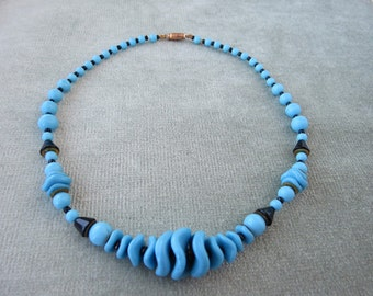 Art Deco / Czech Vintage Turquoise and Black Glass Beads Necklace