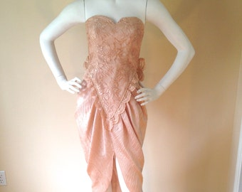 Vintage 1980's Dusty Pink Strapless Lace Mid Length Formal Party Dress with Big Bow Train