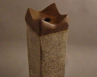 SAWTOOTH TAWA - Bud Vase of Concrete and Industrial Sawtooth