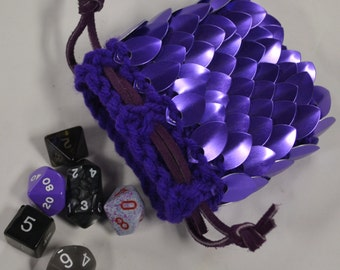 Scalemail Armor Dice Pouch in knitted Dragonhide Purple