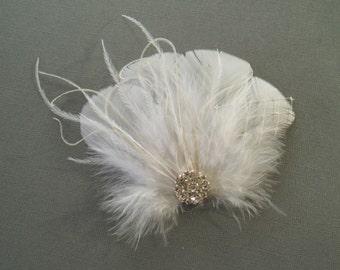 WHITE Bridal Hair Clip Bridal Feather Fascinator, Feather Hair Piece, Wedding Hair Accessory hair clip