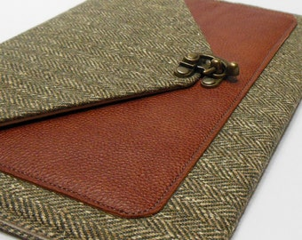 iPad Air case with leather pocket - green herringbone