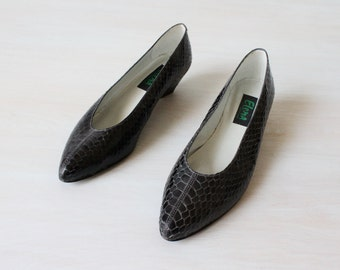 Snakeskin Shoes / Black Snakeskin Heels / Wedge Heels / Size 8