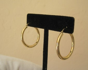 14K Yellow Gold Hoop Earrings 2.3 Grams Classic Style