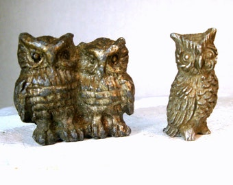Owl Figurines, Miniatures, 3 Owls,  Pair of Tiny Little Pewter Statues, 1970s, Tchotchka Birds