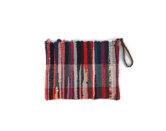 Boho Chic  Wristlet Purse . Medium Boho Purse Kilim Bag. Tablet Case. Mobile Accessories. Womens Gift. Colorful Zippered Purse. Hippie Bag.
