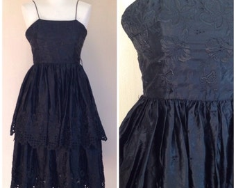 Vintage 1970s Black Lace Ruffle Dress XS S
