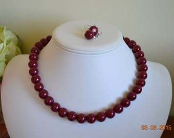 Chunky Opaque Burgundy Glass Pearl Beaded Necklace with Rhinestone Closure Set     Great for Bridesmaid Gifts
