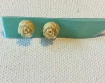 Rosebud Earrings, Vintage Cream Carved Rose Earrings, Small Stud Earrings in Off White, Retro Jewelry Rose jewelry earrings on SALE