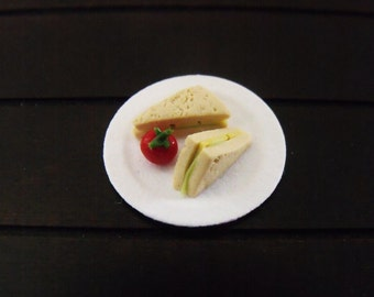 1.12th Scale Dolls House Miniature Food item, Cheese and Lettuce Sandwich with Tomato
