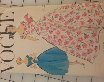 1950s Formal or Day Dress Optional Collar Detail size 12 Vogue 9150 Original