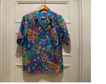 Items similar to Collectible Vintage Vera button up blouse ...