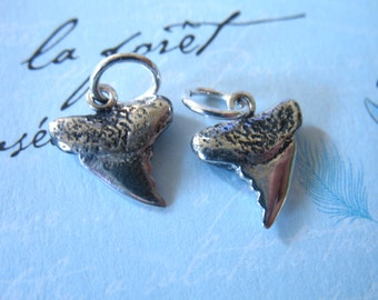 1 pc, Shark Tooth Charm Pendant, 12x10.5 mm, Solid 925 Sterling Silver, wholesale findings art