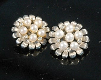 Vintage Button Earrings, Bridal, Fun Flower Design, Brushed Silver Plate, White Pearls, Crystal Rhinestones, Never Worn Condition