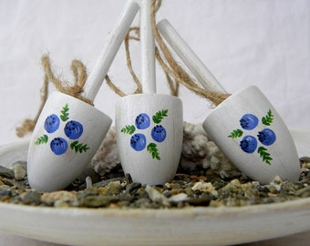 Wedding Favor Lobster Buoys Maine Blueberries Cottage Chic Weathered, set of 3
