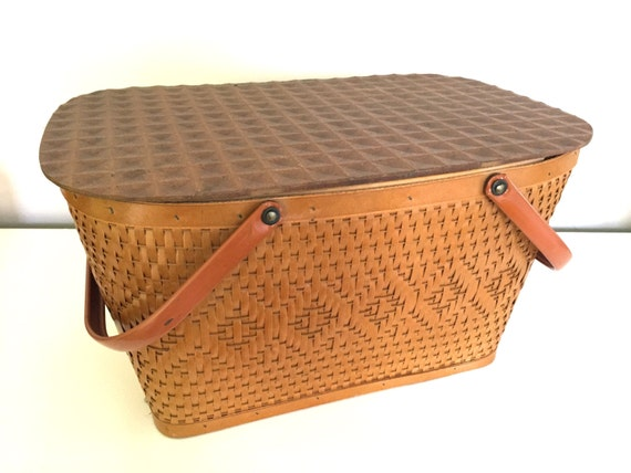 Woven Basket With Hinged Lid : Pick me beautiful woven vintage picnic basket hinged lid