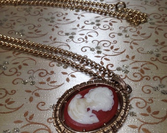 Large Vintage Cameo Pendant Necklace Gold Tone Reversible 1970s Chunky