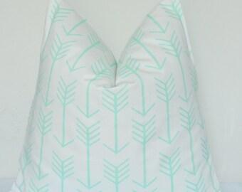 Mint Arrow Pillow, Handmade Pillow Cover, Geometric Pillow, Decorative Pillow, Throw Pillow, Toss Pillow, Home Furnishing, Home Decor