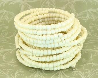 6 Ivory White Bangle Bracelets Stretch Beaded E Bead Memory Wire Bracelet Set Bulk Bracelets Party Favor Bridesmaid Gift Valentine's Day