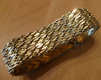 Stunning Vintage 1950s very heavy Goldtonebracelet perfect condition Germany Couponcode SUNSHINESALE 20% off