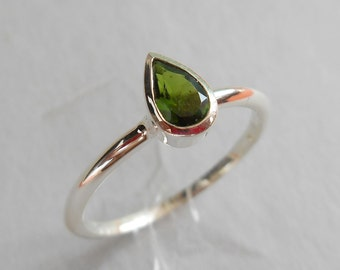 Sterling Silver green tourmaline Ring / silver 925 / Gemstone ring / size 7.50 available