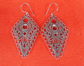 Silversmith art of granulation Sterling Silver dangle rhombus shape Earrings / 3 inches long  / Bali handmade jewelry / silver 925 / (#592E)