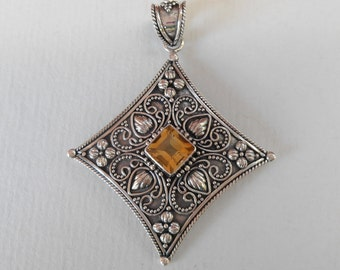 Balinese Sterling Silver Citrine gem pendant / silver 925 / Bali handmade jewelry / 2 inches