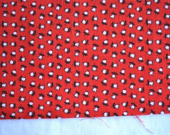 Vintage Fabric - Black and White Petite Floral on Red Broadcloth - 44 x 38