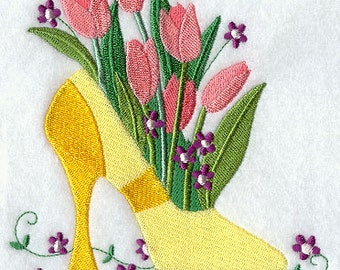 HIGH HEELED SHOE- Machine Embroidered Quilt Block (AzEB)