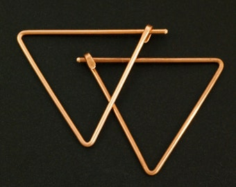 1 Pair Triangle Earrings - 18 gauge with Hammered Latch in YOUR PICK of Metal