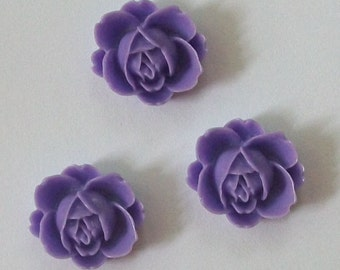 Clearance Sale -- 6 Resin Cabochons Vintage Style Resin Flowers 21mm  -- PURPLE  flat back, no hole cabochons