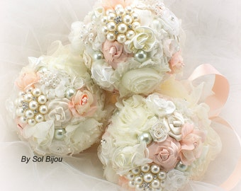 Bridesmaids Bouquets, Brooch Bouquets, Blush, Pink, Ivory, Vintage Style, Maid of Honor,Elegant Wedding, Toss Bouquet,Pearls,Tulle, Crystals
