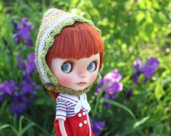Summer at lakeside helmet hat for Blythe