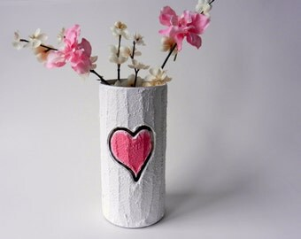 Vase with carving / pink heart  / Valentine gift / wedding gift / valentine vase / made-to-order / valentines day