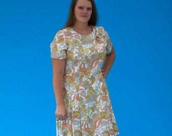Vintage 1970s Retro Flowers and Swirls Day Dress